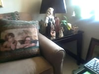 2  matching end tables Oklahoma City, 73106