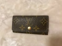 Authentic Louis Vuitton 4 key holder Surrey, V3T 2W1