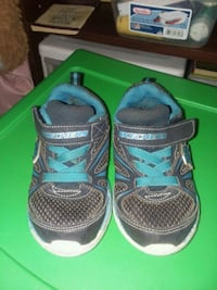 pair of black-and-blue Nike sneakers Mount Airy, 21771