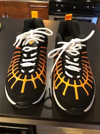 NIKE AIR MAX 120 BLACK/ORANGE 10 Essex, 21221
