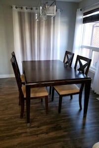 extendable dining table with 6 chairs Edmonton, T5Y