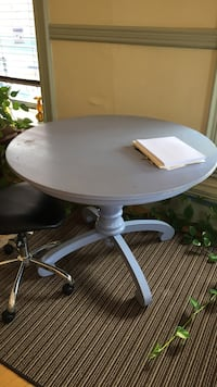 Maine Cottage Furniture Shabby Chic Table. Solid! Great color.