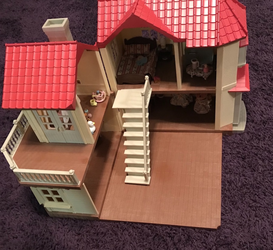 Calico Critters Large House..barely Used..includes Furniture Shown And 2  Squirrels