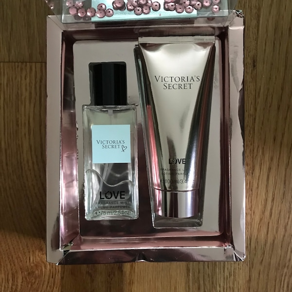 Victoria's Secret LOVE Fragrance and Lotion Gift Set BRAND NEW