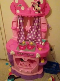 pink and purple plastic doll house Plaquemine, 70764