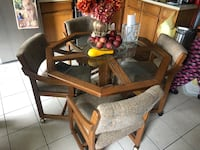 Antique kitchen table New Bedford, 02745