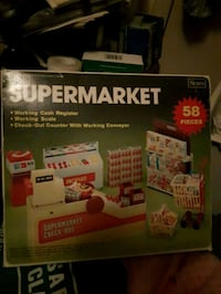 Girls play supermarket still in box never used Calgary, T2A 5W7