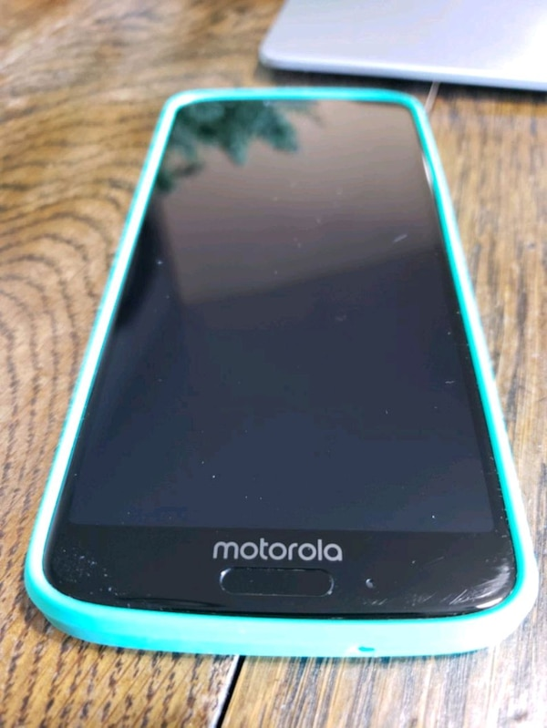 Unlocked Moto G6 32gb used for 4 months