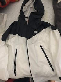 Nike tech track runner windbreaker Toronto, M4V 0A5
