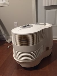 Honeywell Cool Mist Humidifier *no negotiable* 781 km