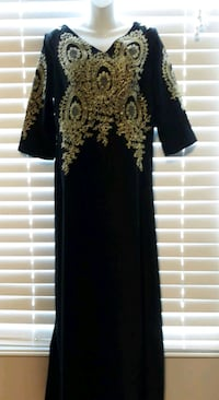 Black and gold gown very beautiful  Brampton, L6S