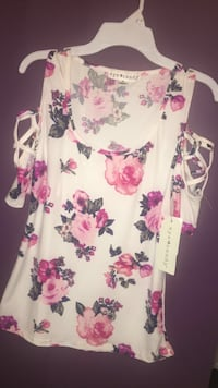 Eye Candy floral blouse Johns Creek, 30097