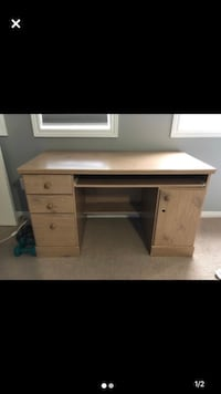 Hardwood Desk Richmond Hill, L4C 0G9