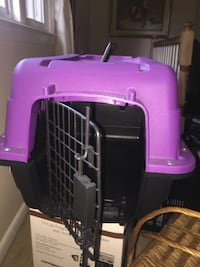 pink and black pet carrier Woodbridge, 22193