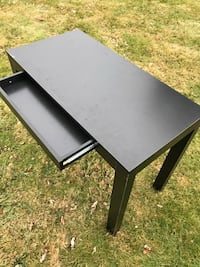Black wooden table!!!