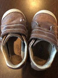 Stride rite shoes -size 5 Houston, 77075