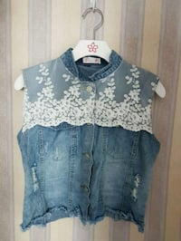 blue and white lace denim button-up vest Surrey, V3V