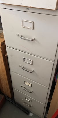 Metal file box  4 drawer very good condition