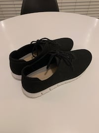 Black casual sneakers - Women's size 10 Vancouver, V5T 3N3
