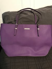 Nine West purple leather purse. Cash Manassas