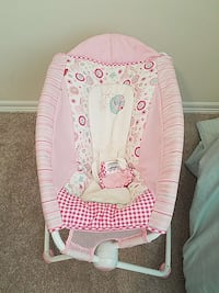 Baby's pink and white bouncer Renton, 98059