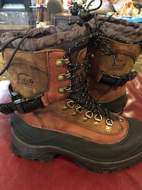 Sorel Conquest hiking boots, like new, men size 10 Burleson, 76028