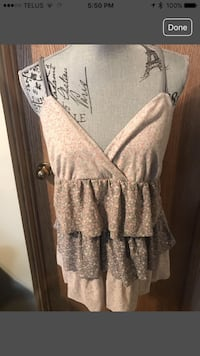 Women's floral halter top from American Eagle. Calgary, T3G
