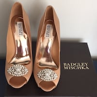 Badgley NEW Mishka peep toe pumps Goodie size 9