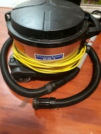 black and red Shop-Vac vacuum cleaner