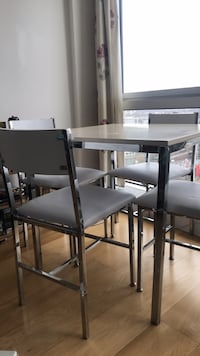 Eat table with 4 chairs London, E14 9JA