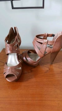 Sandales G by Guess, taille 7 US