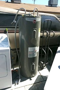Elecrict wter eather 50 gal fairly new. Text only  North Las Vegas