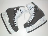 CCM 152 Tacks Junior Ice Hockey Skates Size 4.5 London