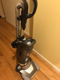 Black and gray upright vacuum cleaner Issaquah, 98029