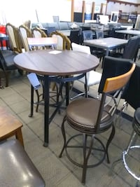 Brown wooden bar table with 2 stools sale Phoenix, 85018