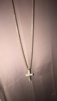 Gold chain link necklace with pendant Edmonton, T5H