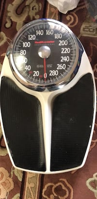 FREE - weighing scale, MOVING SALE Somerset, 08873
