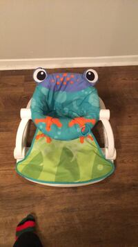 baby's green and white bouncer Montgomery, 36117
