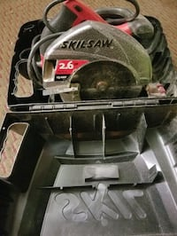 Circular Skillsaw  7 1/4  Electric plugin tons of power in case