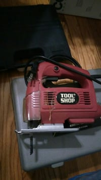 red Tool Shop jigsaw