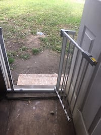 Brand New Hauck Baby or pet  Gate that opens, White, opens up Woodbridge, 22191