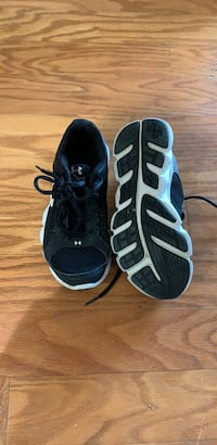 pair of black-and-white running shoes Columbia, 29209