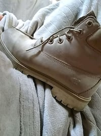 Nude timbs Des Moines, 50310