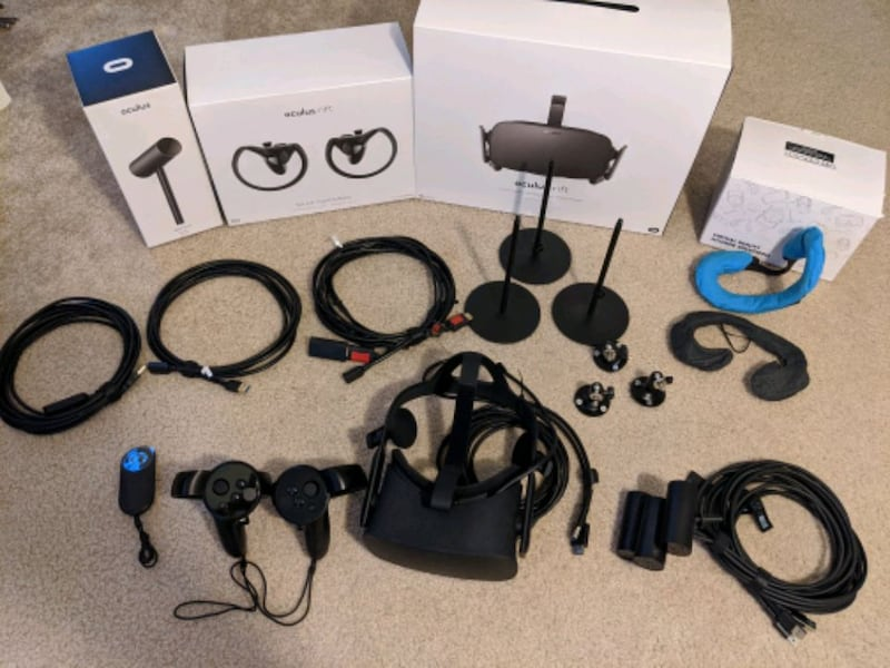 Oculus Rift with tons of extras 0