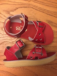 Red salt water sandals - size 6 London, N6C 1S9