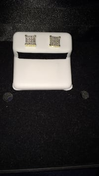 10K Diamond Earrings  Toronto, M6G