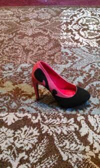unpaired pink and black almond-toe stilettos Salisbury, 21801