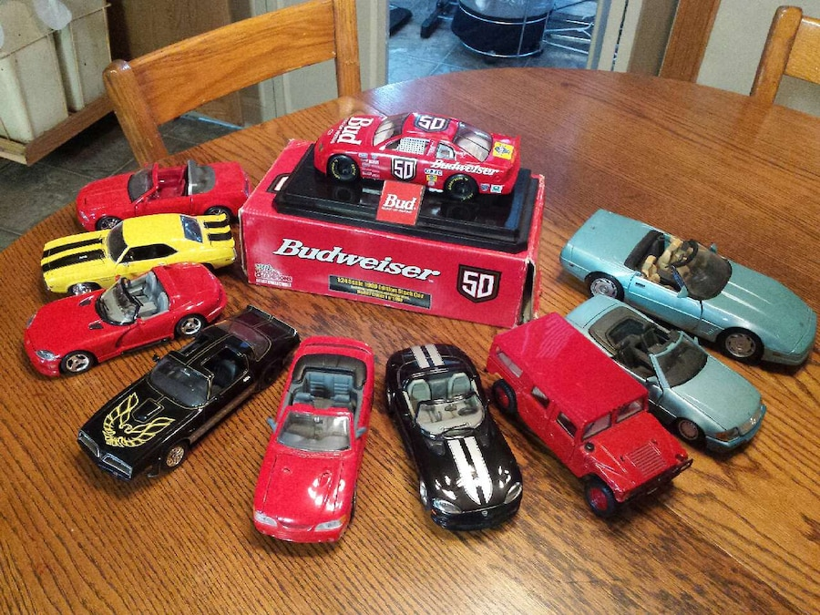 letgo Lot of Die Cast Cars in Elkhorn WI