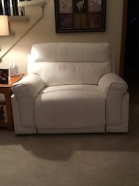 power white leather recliner over size Buffalo, 14221