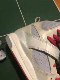 Kids Flight 45 Size 12.5  Perfect Condition   47 km